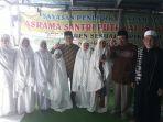 anak-anak-eks-timor-timur-bersama-pengurus-masjid-al-barokah-cijerah_20170809_161152.jpg