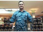 andri-hermawan-34-pemilik-brand-kopi-luwak-premium-khas-garut_20180121_130039.jpg