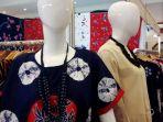 aneka-bahan-motif-batik-yang-ditawarkan-di-even-batik-fashion-craft_20180423_191919.jpg