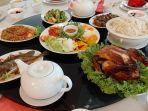 aneka-sajian-dalam-paket-chinese-new-year-dinner-di-hotel-santika-cirebon.jpg