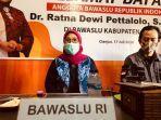 anggota-bawaslu-ri-dr-ratna-dewi-pettalolo-di-kantor-bawaslu-cianjur-1.jpg