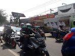 arus-lalu-lintas-di-jalan-amir-machmud-kota-cimahi-minggu-262019.jpg