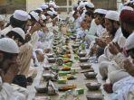 bacaan-doa-buka-puasa-ramadhan-dan-niat-salat-tarawih_20180517_174027.jpg