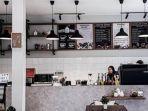 bagian-dalam-cafe-more-di-bandung-sajikan-kopi-racikan-barista-penyandang-tunanetra.jpg