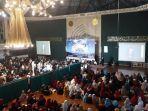 bandung-berzikir-di-masjid-al-ukhuwah-malam-tahun-baru-2020.jpg