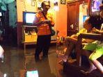 banjir-di-blok-kauman-desa-gamel-kecamtan-plered-kabupaten-cirebon_20180207_114434.jpg