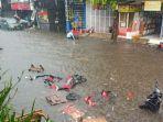 banjir-di-pasar-lambang.jpg