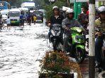 banjir-hujan-di-jalan-kopo-citarip-kota-bandung-jumat-1532019-_-2.jpg