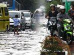 banjir-hujan-di-jalan-kopo-citarip-kota-bandung-jumat-1532019-_-3.jpg