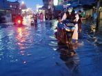banjir-jadek-jumat-15-oktober-arulin-putus.jpg