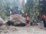 batu-raksasa-tutupi-jalan-utama-sodonghilir-kabupaten-tasikmalaya-jumat-2612018_20180126_191430.jpg