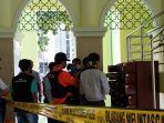 benda-mencurigakan-yang-ditemukan-dalam-satu-loker-di-masjid-al-mujahidin-uny.jpg