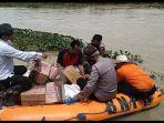 bpbd-mengantar-logistik-untuk-warga-desa-tanjungtiga-kecamatan-blanakan-subang.jpg