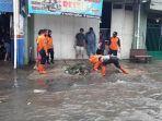 bpdb-saat-melakukan-penagana-banjir-di-ruas-jalan.jpg
