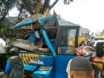 bus-doa-ibu-jurusan-jakarta-karangpucung-menabrak-pohon_20171003_212525.jpg