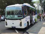 bus-listrik-pertama.jpg