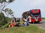 bus-mogok-tol-cipali_20180612_133317.jpg