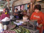 catu-45-pedagang-sayur-di-pasar-baru-indramayu-2952020.jpg