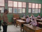 cek-protokol-kesehatan-tim-gugus-tugas-covid-19-kecamatan-jatiwangi-datangi-sejumlah-sekolah.jpg