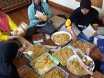 dapur-umum-atau-dapur-lapangan-banjir-baleendah-dayeuhkolot-di-ciparay_20160316_134928.jpg