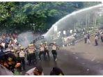 demo-di-purwakarta-ricuh-delapan-orang-diduga-provokator-diamankan.jpg