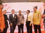 direktur-enterprise-and-business-service-telkom-dian-rachmawan_20180417_111732.jpg