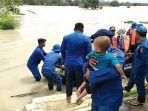 ditpolairud-polda-jabar-evakuasi-warga-terdampak-banjir-di-kabupaten-karawang.jpg