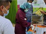 dokter-rsu-dr-soekardjo-kota-tasikmalaya-memeriksa-sejumlah-obat-milik-yudi.jpg