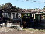 dua-bangunan-rumah-milik-telkom-terbakar.jpg