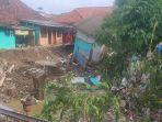 dua-rumah-di-blok-anjun-yang-ambruk-diterjang-banjir.jpg