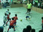dua-tim-futsal-dari-dua-tk-di-sd-assalaam-sabtu-12102019.jpg