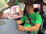 eka-satya-hanurawan-54-salah-satu-mitra-pengemudi-taksi-online.jpg