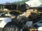 enam-orang-tewas-pada-kecelakaan-maut-di-tol-cipali_20151206_103849.jpg