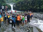 evakuasi-jenazah-mahasiswa-itt-telkom-purwokerto-di-curug-bayan.jpg