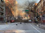 foto-ledakan-nashville-jalanan-rusak-dan-asap-hitam-membumbung.jpg