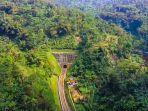 foto-udara-terowongan-sasaksaat-di-desa-sumur-bandung-kecamatan-cipatat.jpg
