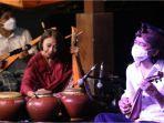 gubernur-jateng-ganjar-pranowo-takjub-pertunjukan-sound-of-borobudur-oleh-musisi-musisi-hebat.jpg