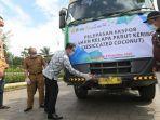 gubernur-jawa-barat-ridwan-kamil-melepas-20-ton-kelapa-parut-kering-ekspor.jpg