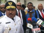 gubernur-papua-lukas-enembe_20180910_065919.jpg