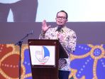 hanif-dhakiri-menteri-ketenagakerjaan-republik-indonesia-di-hotel-aryaduta-bandung_20171011_143617.jpg