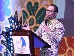 hanif-dhakiri-menteri-ketenagakerjaan-republik-indonesia-di-hotel-aryaduta-bandung_20171011_153245.jpg