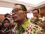 hanif-dhakiri-menteri-ketenagakerjaan-republik-indonesia_20171011_114847.jpg