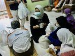 ikatan-apoteker-indonesia-berbagi-rezeki-dengan-penyandang-disabilitas-netra-di-kota-bandung-2.jpg