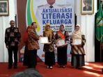 indeks-literasi-indonesia-masih-rendah_20180712_181122.jpg