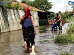 jalan-babakan-sangkuriang-dayeuhkolot-tergenang-banjir.jpg