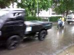 jalan-cirebon-hujan.jpg