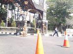 jalan-ditutup-demo-mahasiswa-di-purwakarta.jpg