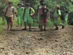 jalan-rusak-desa-buninagara-kecamatan-sindangkerta-kbb_20160819_153609.jpg