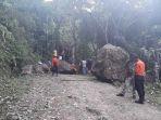 jalan-utama-kecamatan-sodonghilir-kabupaten-tasikmalaya-tertutupi-batu-raksasa_20180127_134655.jpg