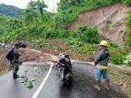jalur-ke-geopark-ciletuh-kabupaten-sukabumi-tertimbun-longsor-tebing-30-meter-jalan-tertutup-lumpur.jpg